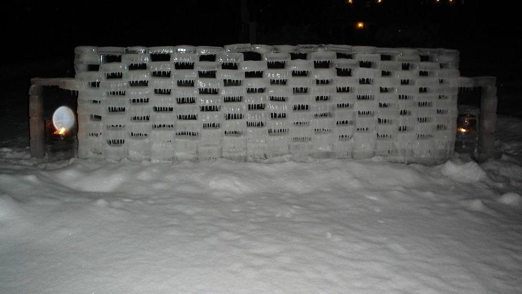 Muren var det första Janne gjorde när han började med denna tradition för tio år sedan.