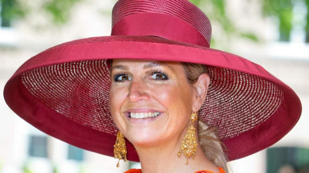 Spralliga drottning Maxima klär sig ofta färgstarkt.