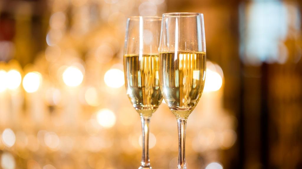 """""""Champagne! Vid seger förtjänar man det; i nederlag behöver man det"""", ska Napoleon ha sagt."""