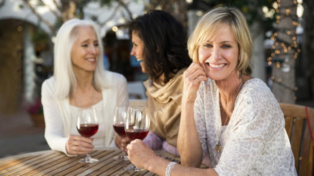 Skratta och le mycket! Boosta ditt humör och din hy med sådant som du tycker om.