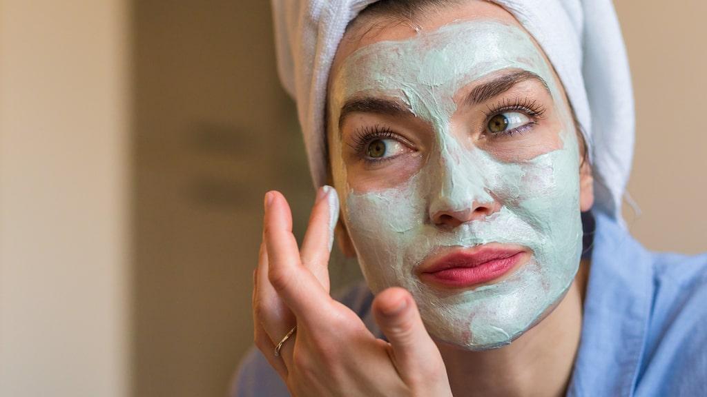 En närande ansiktsmask till exempel.