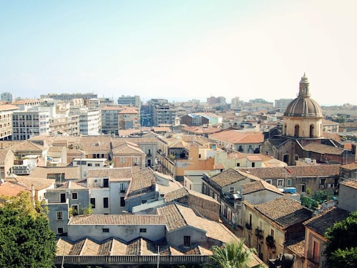Catania ligger på Sicilien