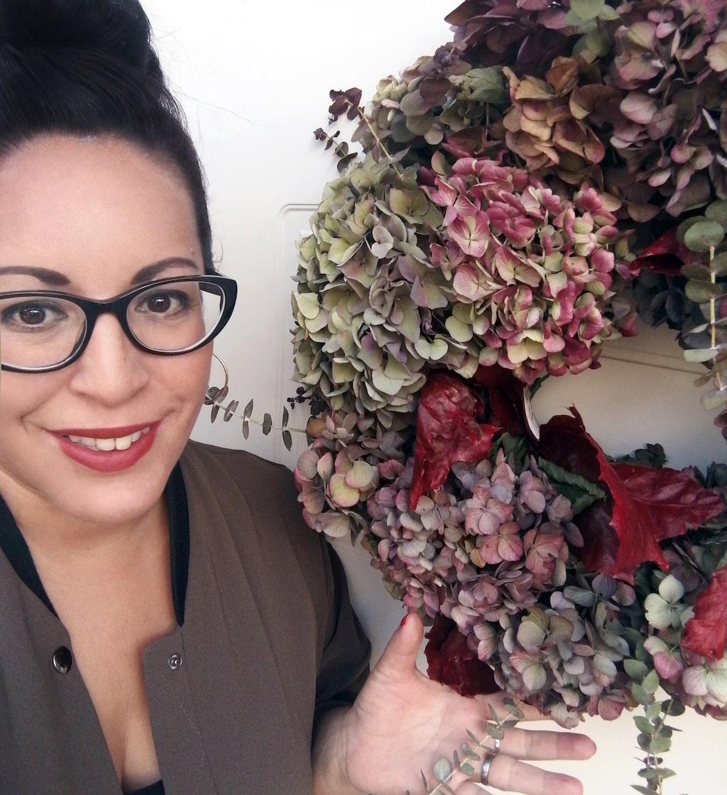 Zandra Falks hortensiakrans hyllas på Facebook eftersom den är så vacker.