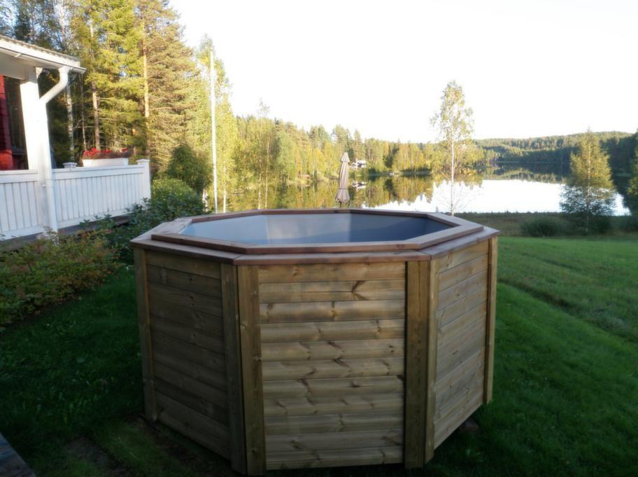 Färdig byggsats.<br>Raka sidopaneler och byggram i obehandlat eller tryckimpregnerat trä kan du köpa i färdig byggsats för 5 000 kronor, Poltec.se.