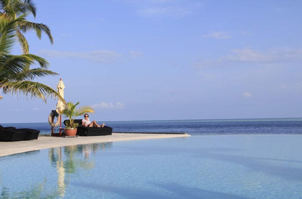 <p>Maldiverna är den perfekta semestern för många: Blå himmel och turkost hav som bjuder på fantastisk dykning. Här är Komandoo Resort.</p>