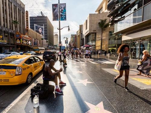 Hollywood walk of fame attraherar flera miljoner besökare varje år.