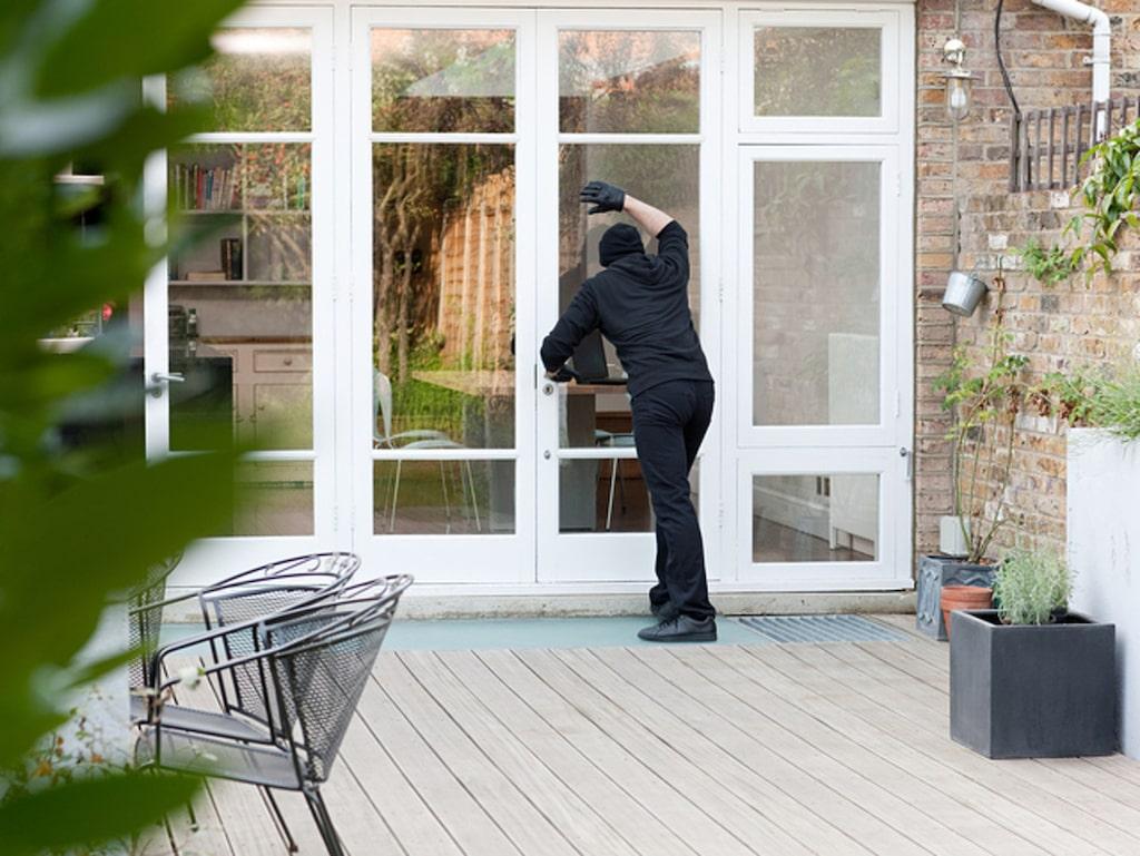 Därför är det väldigt viktigt att inbrottssäkra sitt hem innan det är för sent.