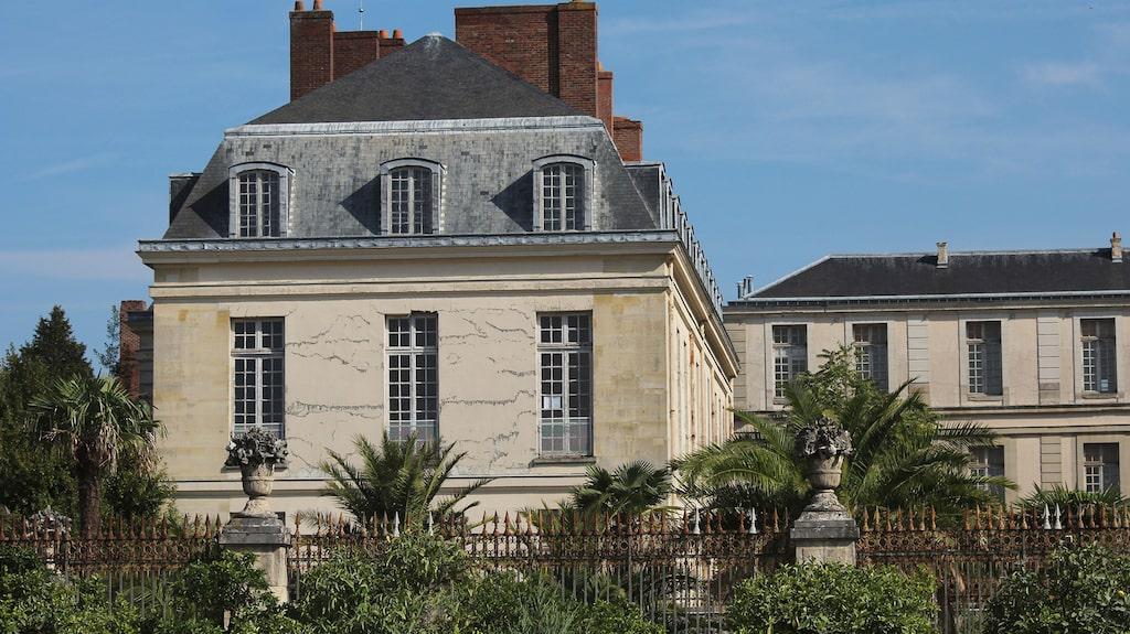 Den historiska byggnaden som numera rymmer Hotel du Grand Contrôle.