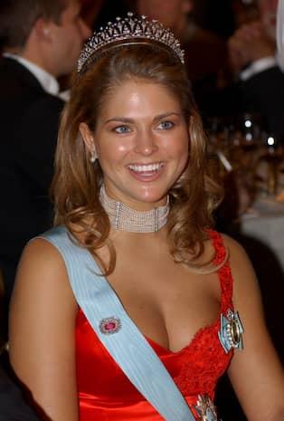 65b87abb77ab Prinsessan Madeleines klänning stod i centrum år 2002. Foto: ERHAN GÜNER/ SCANPIX / SCANPIX SVERIGE AB