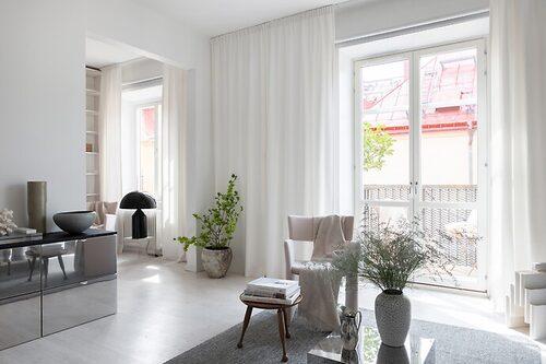Lägenheten är 63 kvadratmeter, fördelat på två rum.