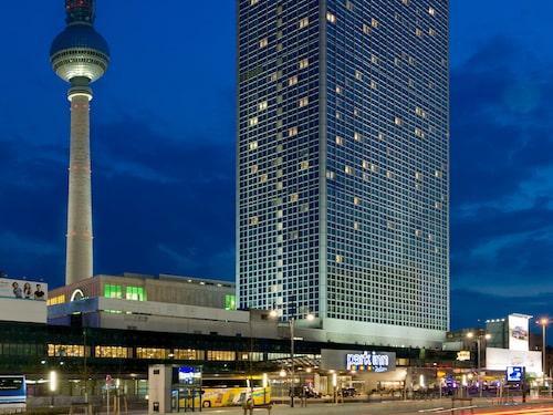På Park Inn har du bra utsikt över tv-tornet vid Alexanderplatz.