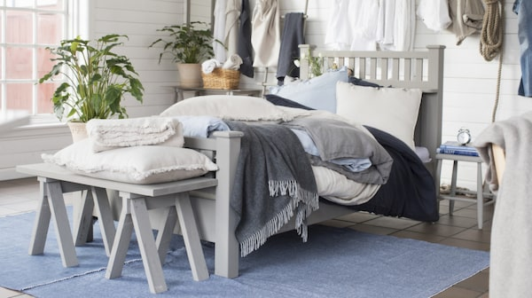Fynda somriga textilier i bomull hos Nyblom Kolléns textiloutlet.