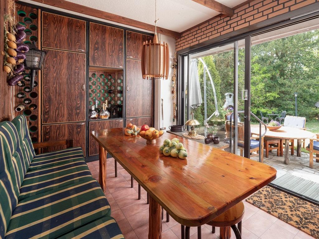 Matsalen och köket ligger på entréplan.
