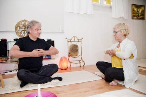 Göran Boll har introducerat medicinsk yoga på över 250 arbetsplatser.