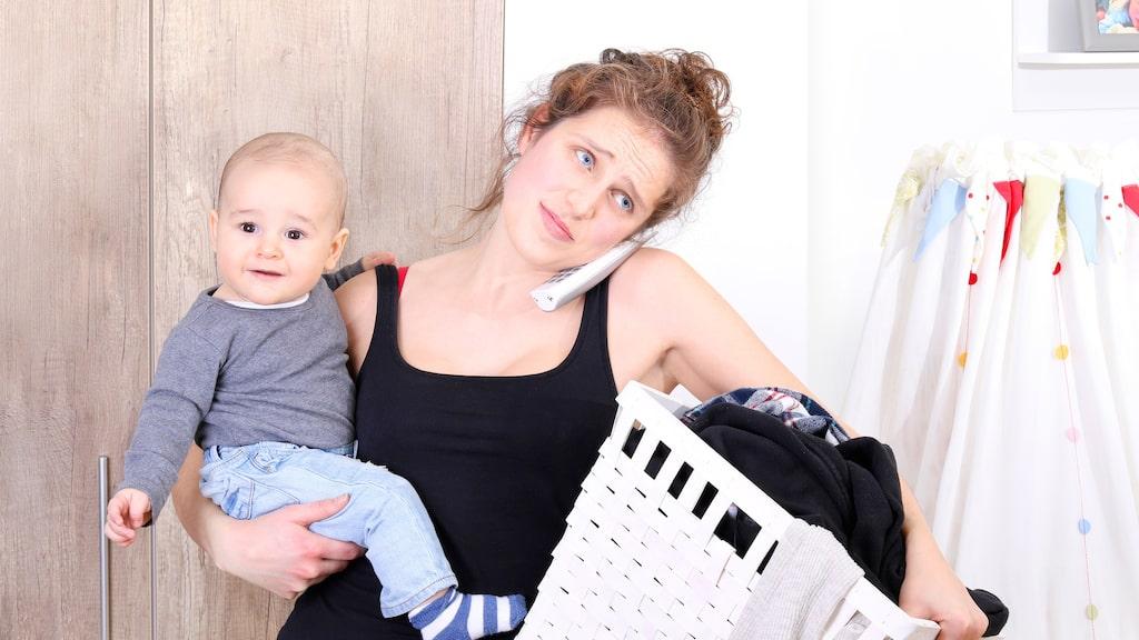 En ny studie menar att barn förkortar kvinnors liv med ungefär 11 år.
