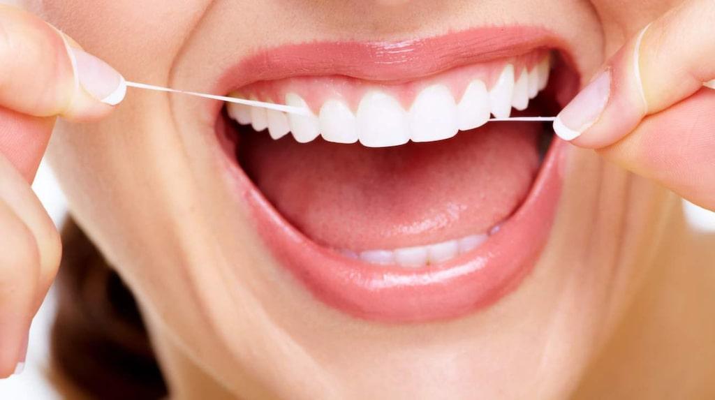 Forskning visar att regelbunden användning av tandtråd faktiskt kan förlänga ditt liv.