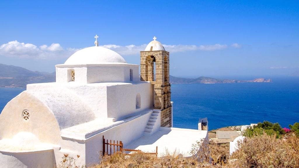 Traditionell grekisk kyrka i Plaka på Milos.
