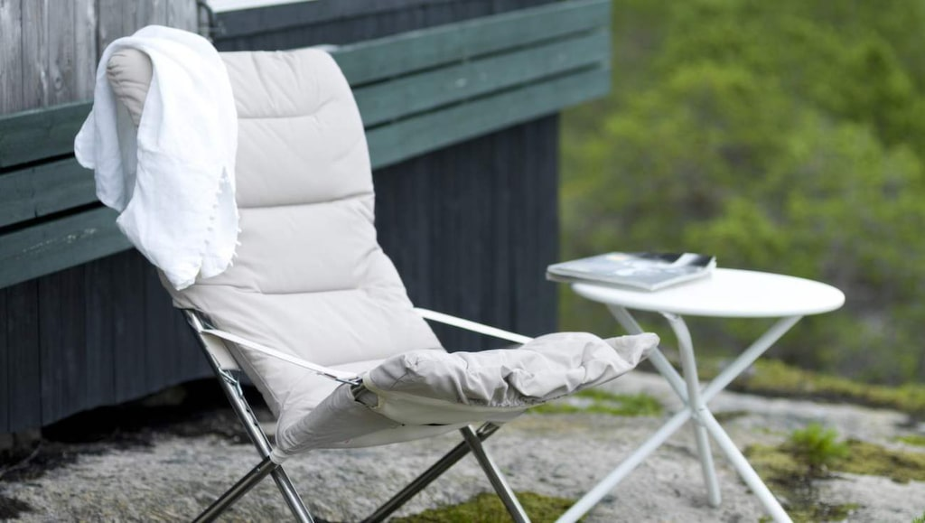Solstolen Fiesta finns nu i en uppgraderad version med vtagbar dyna. Stomme i aluminium, 1 495 kronor Balkongshoppen.