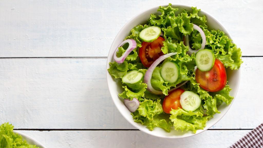 Sex av tio äldre män uppger att de äter nyttigare i dag än för fem år sedan.