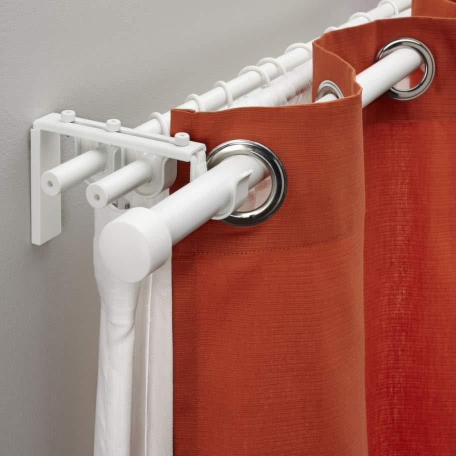 Trippel. Med gardinstångset Räcka/Hugad trippel kan du kombinera tre  lager gardiner, 256 kronor, Ikea.Gardinskenor. Mörkgrå gardin Calypso i  bomull, 110 × 240 centimeter, 299 kronor, Åhlens.