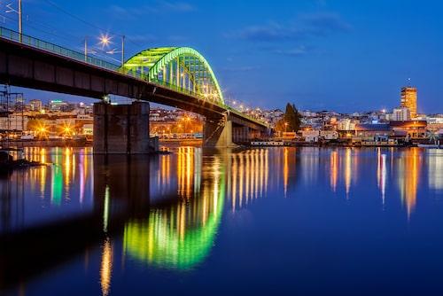 Flera av Belgrads nattklubbar ligger vid floden Sava. Port är Jovan Radomirs favorit.