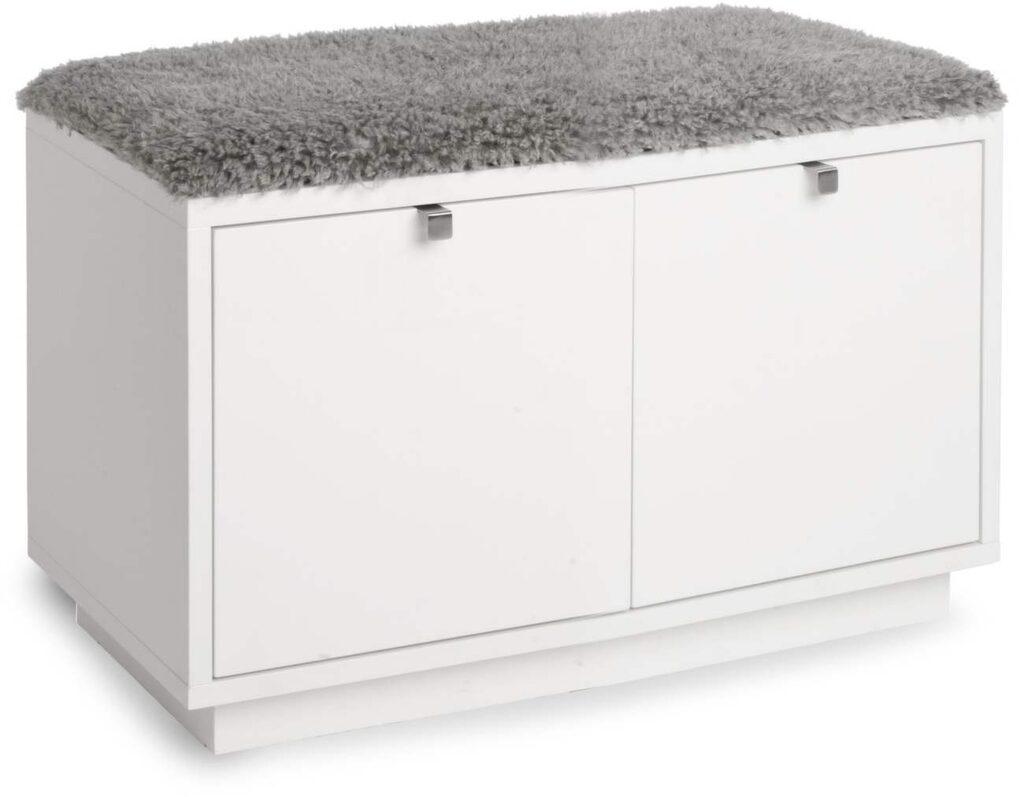 <p>Leta efter möbler med multifunktion. Här hallbänk med förvaring. </p>