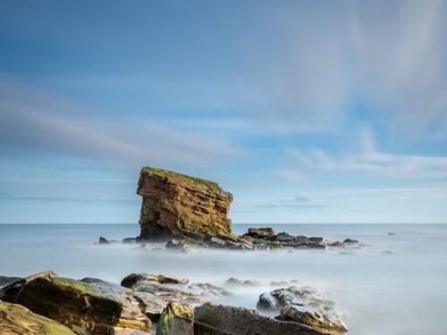 En solig dag kan du se ända bort till Farneöarna.