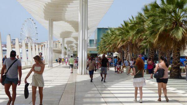 Nya hamnområdet i Málaga är en hipp kontrast till de äldre delarna av staden. Här ligger bland annat Centre Pompidou, det första Centre Pompidou utanför Paris.