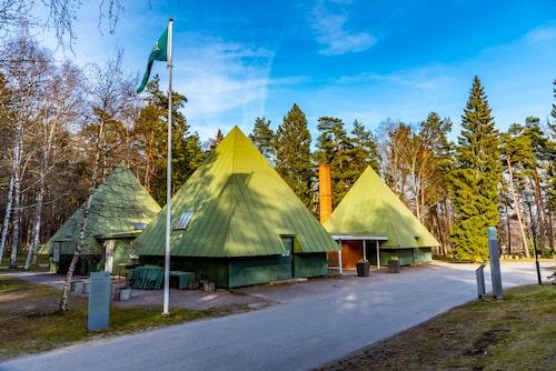 Skogskyrkogården skrevs in på Unescos världsarvslista år 1994.