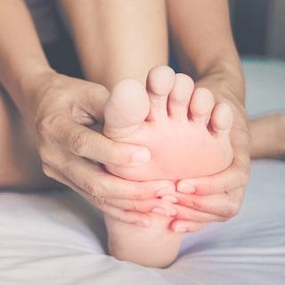 ont i mitten av foten