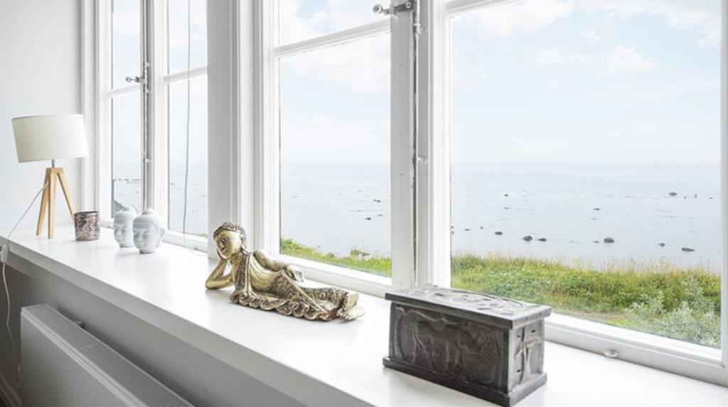 <p>Ett rum med utsikt! Havet in på knuten.</p>