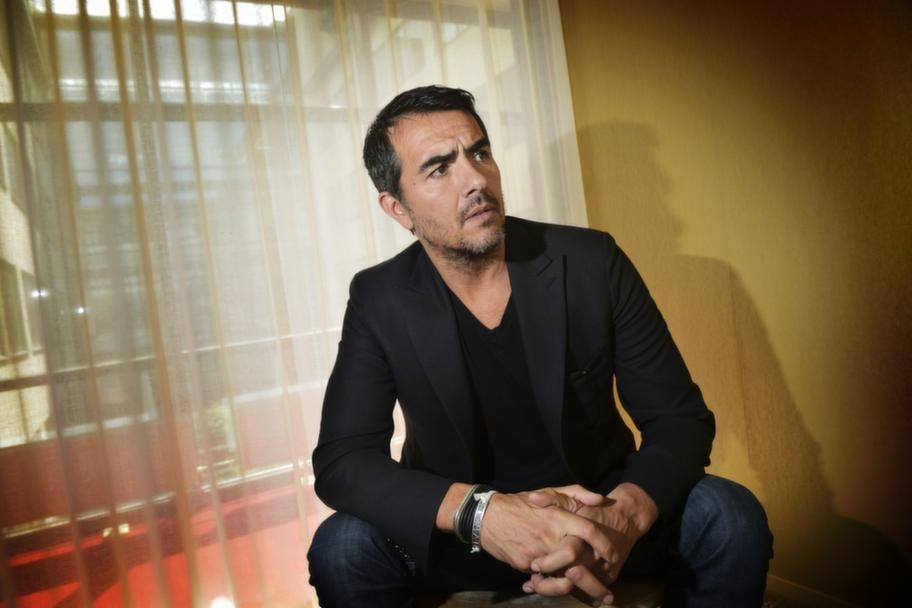 """Rafael Edholm, skådespelare och regissör till nya rysarthrillern """"Mörkt vatten""""."""