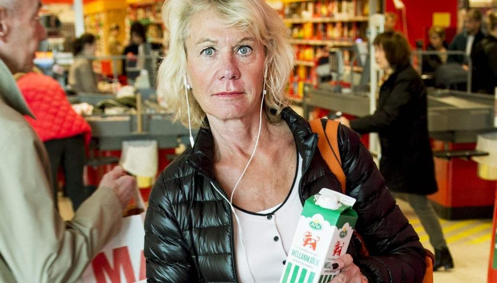 """Lotta Ingelhammar, 62, avtalspensionär/studerande. """"Jag har redan slutat med mjölk. Jag dricker bara mjölk i kaffet numera. Hade jag druckit mjölk dagligen hade jag nog slutat om det visat sig vara så farligt."""""""