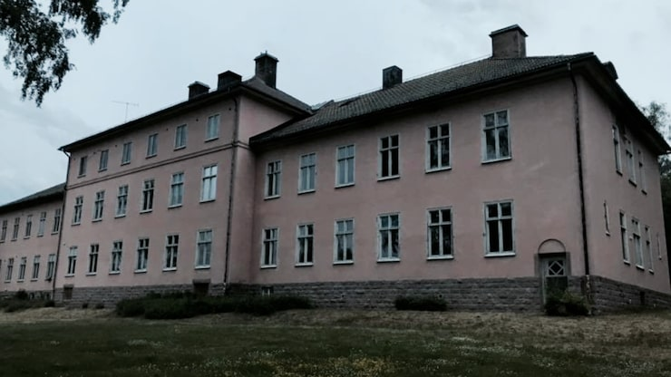 """Mentalsjukhuset """"Kvinnliga Stormen"""" några meter från Säters Fasta Paviljong."""
