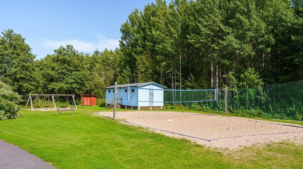 Särskild plats för beach-volleyboll finns också.