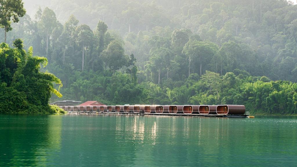Bo i en flytande bungalow på Cheow Lan-sjön.