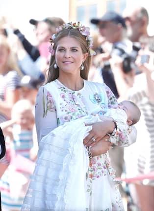 Prinsessan Madeleines lyxklänning på dopet. Pris  20 000 310696abcd4db