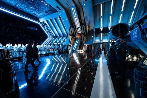 Räkna med att stöta på stormtroopers och andra imperietrupper på Star wars: Rise of the resistance.