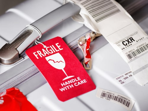 """En lapp med texten """"Fragile"""" kan rädda ett ömtåligt innehåll."""