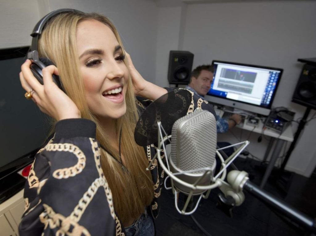 Isa Tengblad har en egen studio hemma. Hennes mål har alltid varit att jobba med musik.