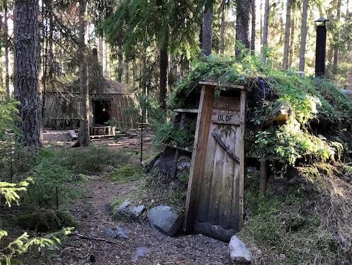 Spendera natten på Sveriges mest primitiva vandrarhem