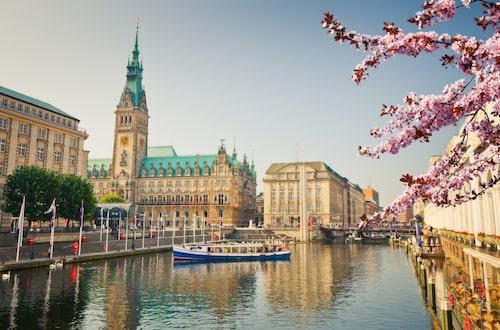 Till Hamburg kan du åka året runt.