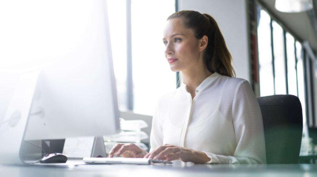 <p>Den som har ett stillasittande jobb, till exempel på kontor, bör röra på sig minst 60-75 minuter om dagen. </p>