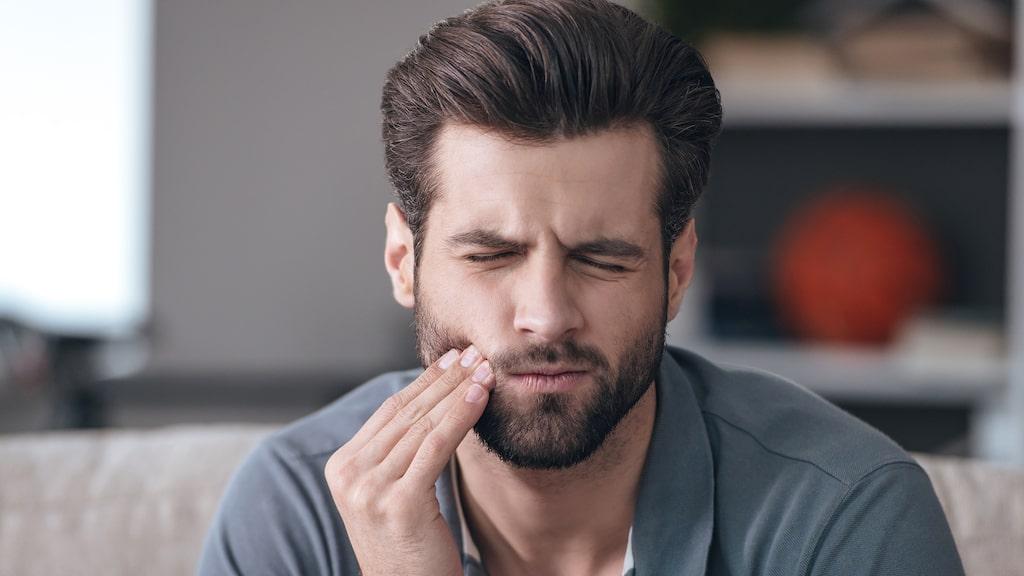 Många gnisslar eller pressar tänder utan att veta om det.