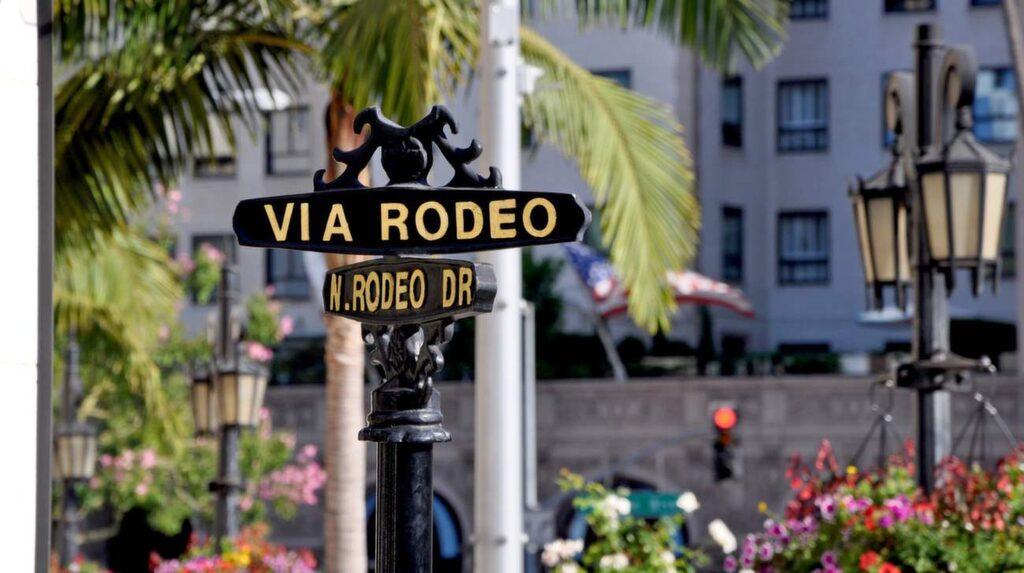Se till att du tagit på  dig spenderarbyxorna när det är dags för en shoppingtur på  Rodeo Drive i Beverly Hills.