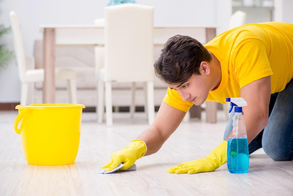 Städutrustningen behöver också rengöras eller bytas ut.