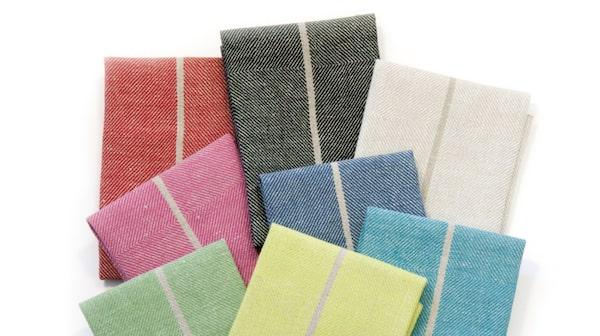 Handduken Märta finns i olika färger.
