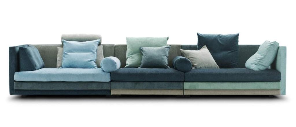 <p>Flerfärgade soffan Coocon klädd i sammet. 340 centimeter bred, 52 400 kronor, Eilersen.</p>