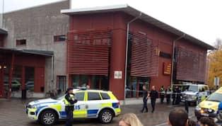 Knivmannen i skolan skots ner av polisen