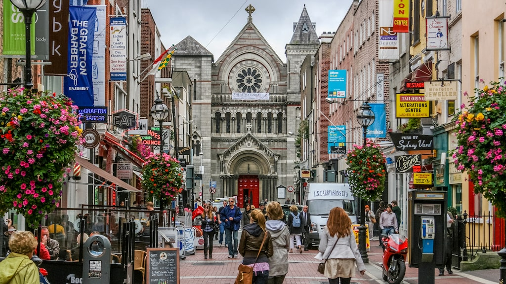 Shoppinggatan Grafton Street i Dublin.